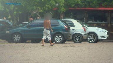 Mesmo após proibição, flanelinhas continuam atuando em Porto Alegre - Assista ao vídeo.