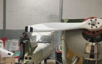 Grupo adulterava aviões furtados para serem usados no tráfico de drogas, diz polícia - Delegado informou que eles usavam hangares regulares e um galpão clandestino para esconder aeronaves.