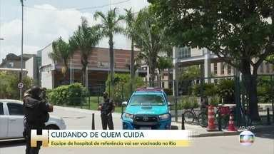 Doses atrasam no hospital de referência de tratamento de Covid no Rio - Prefeitura do Rio ainda não informou quantos profissionais vão ser vacinados no Hospital Ronaldo Gazolla, nem de que áreas eles são.