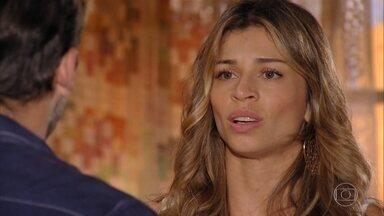 Ester vai para a audiência sobre a guarda de Laurinha - Cassiano tenta tranquilizá-la. Alheio aos problemas, Samuca se diverte com Chico e Olívia no quarto