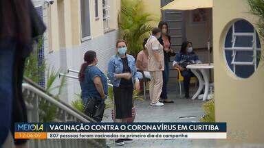 Mais de 800 pessoas foram vacinadas no primeiro dia da campanha contra o coronavírus - Foram 110 profissionais que estão trabalhando na aplicação das doses e 697 moradores e funcionários de casas de longa permanência.