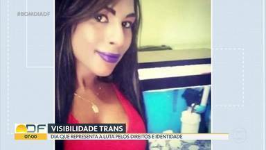 Dia da visibilidade Trans é comemorado nesta sexta (29) - Em 2019, 329 LGBT+ (lésbicas, gays, bissexuais, travestis e transexuais) tiveram morte violenta no Brasil, vítimas da homotransfobia: 297 homicídios (90,3%) e 32 suicídios (9,7%). A cada 26 horas um LGBT+ é assassinado ou se suicida vítima da LGBTfobia, o que faz do Brasil o campeão mundial de crimes contra as minorias sexuais.