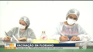 Mais de mil profissionais da saúde são vacinados em Floriano - Mais de mil profissionais da saúde são vacinados em Floriano