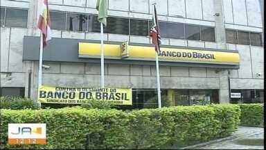 Funcionários do Banco do Brasil estão paralisados em Criciúma - Funcionários do Banco do Brasil estão paralisados em Criciúma