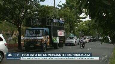 Comerciantes protestam em Piracicaba contra restrições do Plano São Paulo - Manifestação, que durou cerca de duas horas, foi organizada pela Associação Comercial. Reivindicações eram focadas principalmente nos bares e restaurantes.
