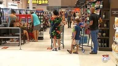 Comércio fica fechado neste fim de semana no noroeste paulista - Após o Governo de SP decretar a fase vermelha aos finais de semana, o comércio no noroeste paulista está fechado.