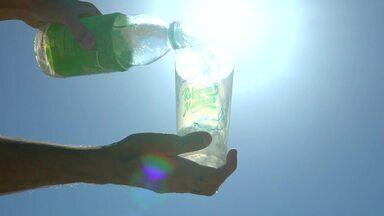 Em Movimento: Água de coco hidrata e é a cara do verão capixaba - A bebida mais querida do verão capixaba é recomendada por especialistas