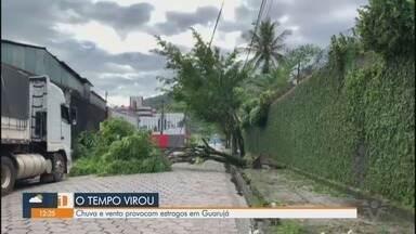 Chuva e vento provocam estragos na cidade de Guarujá - Bairros da cidade ficaram sem energia devido ao mau tempo.