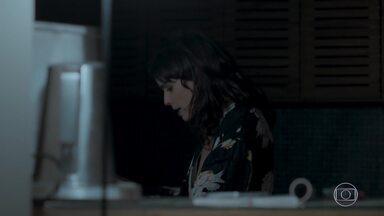 Irene afirma para Mira que vai conseguir reconquistar Eugênio - Joyce e o marido passam a noite em claro