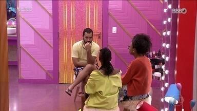 Lumena e Karol Conká tem conversa com Gilberto e a Líder critica Sarah - Lumena e Karol Conká tem conversa com Gilberto e a Líder critica Sarah