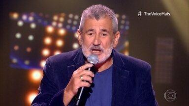 Jorge Darrô canta 'Mrs. Robinson' - Confira!