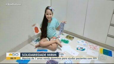 Menina vende desenhos feitos por ela e doa toda a renda a associação de pessoas com HIV - Em dez dias, Keite Carolina de Sousa Vieira já vendeu cerca de 300 desenhos. Mãe se surpreendeu com a iniciativa da filha: 'A ideia de dividir com o outro, mesmo que seja pouco, me deixou muito orgulhosa'.