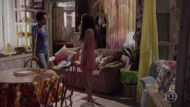 Bete confisca o celular de Sol e a prende em casa - Sol tenta argumentar com a mãe, mas só piora as coisas