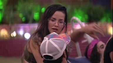 Juliette para Rodolffo em confraternização do BBB21: 'Eu levei um fora, por você' - Brothers conversam na área externa da casa