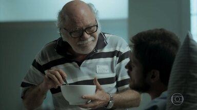 Abel visita Zeca no hospital - Caminhoneiro sente pena de Ritinha. Nazaré avisa que vai organizar uma festa para comemorar a recuperação do sobrinho.