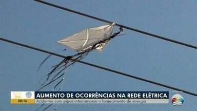 Incidentes com pipas interrompem o fornecimento de energia elétrica - Foram mais de 20 mil clientes afetados por conta de pipas que ficam enroscadas na rede elétrica.
