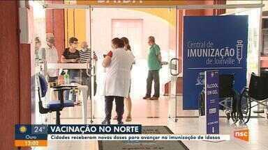 Norte de SC recebe vacinas para avançar na imunização de idosos - Norte de SC recebe vacinas para avançar na imunização de idosos