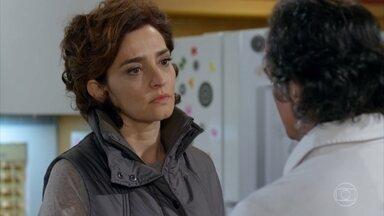 Marcos acha que ele e Vitória estão muito distantes - Vitória pede mais colaboração do marido