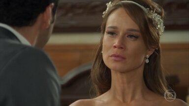 Beto sugere que Tancinha e Apolo se casem - Beto, em vão, tenta se explicar para a moça. Tancinha fica com nojo de Beto