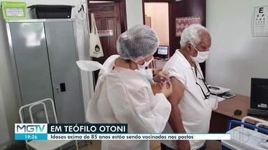 Teófilo Otoni realiza o Dia 'D' de imunização contra a Covid-19 - Idosos acima de 85 anos foram vacinados.