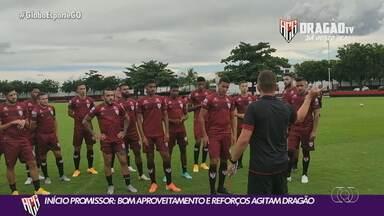 Atlético-GO busca mais reforços para consolidar início de temporada promissor - Atacantes André Luís e Arthur Gomes são as caras novas no Dragão