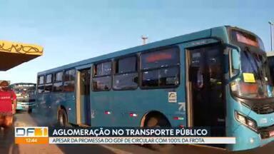 Apesar da promessa de 100% da frota, ônibus no DF continuam lotados na pandemia - As aglomerações também são registradas no metrô.