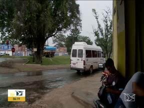 Cai movimento de passageiros de vans em Imperatriz - Na véspera de feriado os motoristas reclamam que o valor cobrado nas passagens, quase não dá pra cobrir as despesas com combustível.