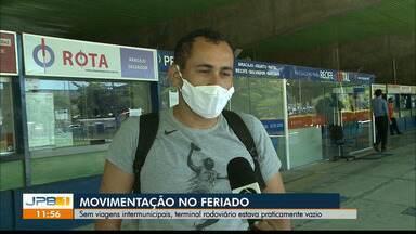 Sem viagens intermunicipais, Terminal Rodoviário de João Pessoa fica praticamente vazio - Apenas o serviço de desembarque está funcionando, por causa das medidas restritivas decretadas pelo Governo da Paraíba.