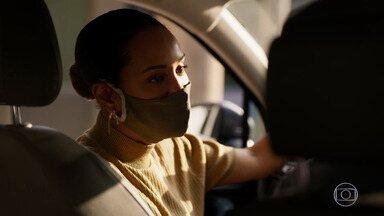 Vitória tenta convencer Lucas a entregar Álvaro - Lucas diz que teme por sua vida e que decidiu abandonar Álvaro para aproveitar a vida