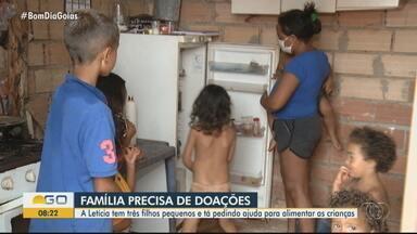 Dona de casa enfrenta dificuldades e precisa de alimentos, em Goiânia - A Letícia tem três filhos pequenos e tá pedindo ajuda para alimentar as crianças.
