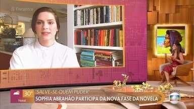 Sophia Abrahão fala sobre sua participação em 'Salve-se Quem Puder' - Personagem da atriz só deve aparecer na segunda quinzena de maio. Sophia fala sobre as dificuldades de gravar no meio da pandemia seguindo todos os protocolos sanitários