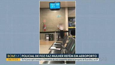 Policial militar que ameaçou funcionária de companhia aérea volta para o Paraná - Homem, de 36 anos, trabalha há sete anos na Polícia Ambiental de Foz do Iguaçu; Segundo a PF, ele teve um surto e usou um lápis para dominar e ameaçar uma funcionária da GOL.