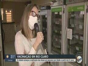 Rio Claro inicia imunização contra Covid-19 em pessoas a partir de 61 anos - Cidade tinha interrompido vacinação por falta de doses.