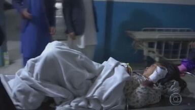 Atentado em Cabul mata 30 e fere mais de 50 - Ataque foi diante de escola secundária do Afeganistão.