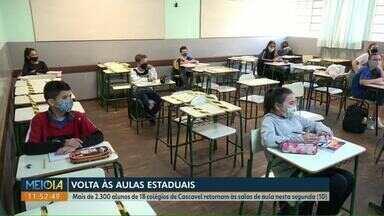 Alunos e professores da rede estadual voltam às aulas presenciais no Paraná - Em Cascavel mais de 2.300 alunos de 18 colégios retornaram com as atividades.