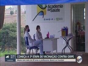 Araraquara inicia 2° etapa de imunização contra a gripe - Idosos com mais de 60 anos e professores podem tomar a vacina.
