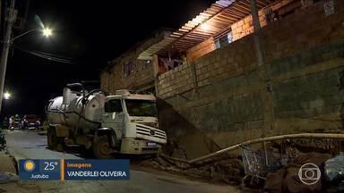 Caminhão desgovernado atinge muro de casa em BH - Duas pessoas estavam no veículo e não se machucaram