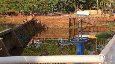 Rio Preto tem racionamento de água em 15 microrregiões a partir de quarta-feira - São José do Rio Preto (SP) terá racionamento do fornecimento de água a partir desta quarta-feira (12) em 15 microrregiões da cidade. O Serviço Municipal Autônomo de Água e Esgoto (Semae) informou que a medida foi necessária devido à estiagem, que começou mais cedo este ano.