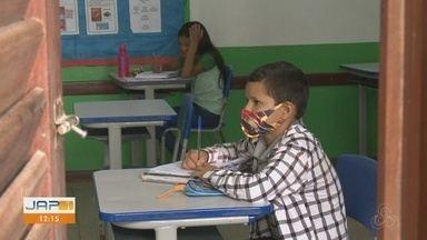 Alunos da rede municipal de Macapá seguem com atividades pela internet e na escola - Alunos da rede municipal de Macapá seguem com atividades pela internet e na escola