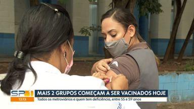 Dois novos grupos entram na lista para a vacinação em São Paulo - Metroviários a partir de 47 anos, operador de trens de qualquer idade e pessoas com deficiência permanente entre 55 e 59 anos já podem se vacinar.