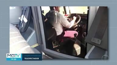 Motorista flagrado mexendo em celular enquanto dirigia é demitido - Telespectador da Inter TV gravou cenas durante uma viagem de Montes Claros para Uberlândia.
