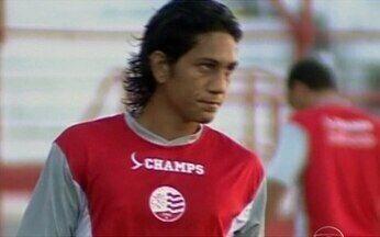 Cruzeiro acompanha Anderson Lessa, do Náutico - O Cruzeiro está de olho no jovem atacante do Náutico Anderson Lessa. Artilheiro do clube no Campeonato Pernambucano, o time mineiro detem 25% do vínculo do atleta.