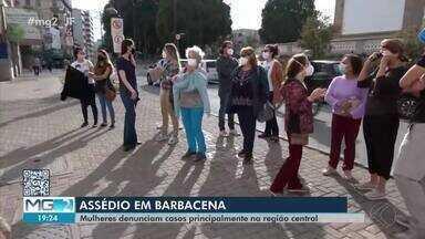 Mulheres denunciam casos de assédio sexual na região central de Barbacena - Ato reuniu mulheres de várias idades para protestar contra a situação e conscientizar a população sobre a situação de constrangimento vivida por elas.