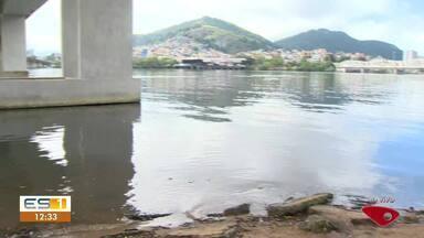 Manguezal de Porto Santana, em Cariacica, ES, tem dia de limpeza - Assista a seguir.