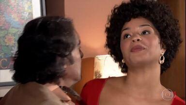 Clotilde arma para enciumar Jacques - Ela diz que vai jantar com um amigo