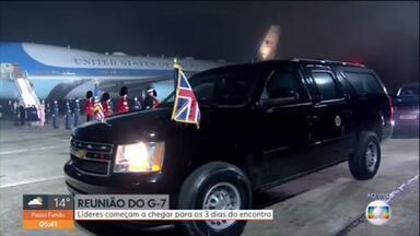 Reunião do G7: líderes mundiais começam a chegar para 3 dias de cúpula - Os líderes das sete economias mais avançadas do mundo já começaram a chegar na Inglaterra. Nesta sexta-feira (11), começa o encontro do G7. Esta será a primeira reunião presencial entre os líderes, depois da pandemia do novo coronavírus. O presidente dos Estados Unidos, Joe Biden, desembarcou ontem no aeroporto da Cornualha. É a primeira viagem internacional do democrata à frente da presidência americana.