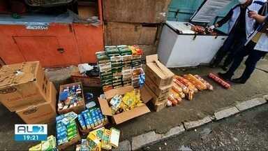 Fiscalização apreende 3 toneladas de alimentos vencidos ou com validade adulterada em Mace - Vigilância Sanitária identificou que produtos eram vendidos em mercados de rua em diversos bairros.