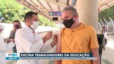 Teresina vacina profissionais da educação contra Covid-19 - Teresina vacina profissionais da educação contra Covid-19