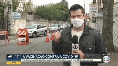 A vacinação contra a covid-19 no ABC Paulista - São Caetano suspendeu o agendamento por falta de doses, enquanto Santo André continua o processo para quem tem 50 anos ou mais.