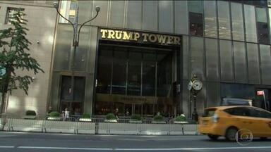 Diretor financeiro das Organizações Trump se entrega às autoridades de NY - O diretor financeiro das Organizações Trump se entregou, nesta quinta-feira (1º), às autoridades de justiça de Nova York, nos Estados Unidos. A empresa do ex-presidente Donald Trump é investigada por fraude fiscal.